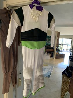 The Disney store buzz light-year costume size small Size 4 for Sale in Santa Cruz,  CA