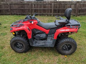 2017 Can am 4 wheeler for Sale in Fort Drum, NY
