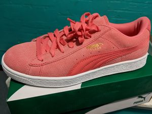 Suede coral pink puma size 8 women for Sale in Washington, DC