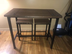 High table with stools for Sale in The Bronx, NY