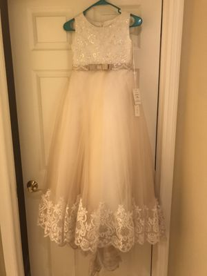 New Flower girl dress size 8-10 & size 2 shoes for Sale in Tampa, FL