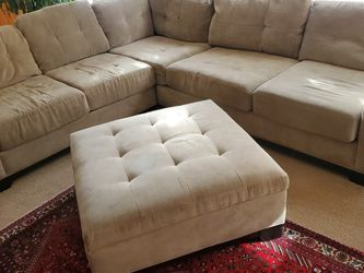 Sectional Couch With Delivery for Sale in Lynnwood,  WA