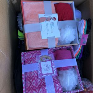 Free Woman's Bags And Misc Stuff Must Take All for Sale in Ontario, CA