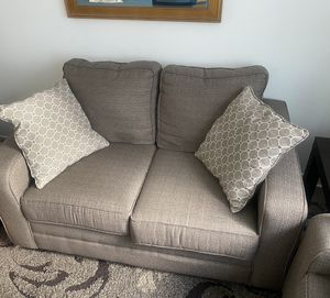 Small couch/love seat for Sale in Washington, DC
