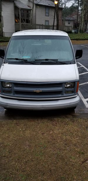 2002 chevy van express for Sale in Stone Mountain, GA