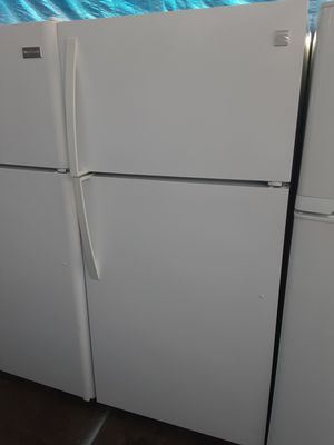 $275 Kenmore white 18 cubic fridge includes delivery in the San Fernando Valley a warranty and installation for Sale in Los Angeles, CA