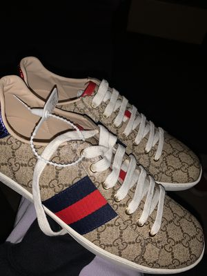 Gucci shoes size 45 (11) for Sale in Houston, TX