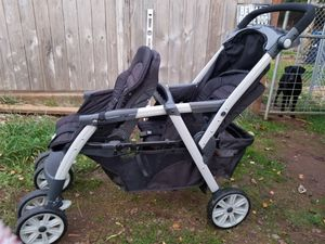 Chicco Double Stroller for Sale in Oregon City, OR