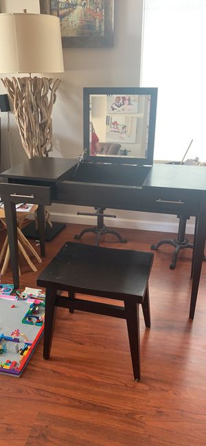 West Elm Vanity Dresser and Stool for Sale in Daly City, CA