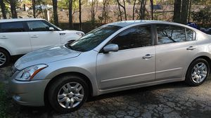 2012 Nissan Altima great car I need gone about to get something else simple fix air conditioner compressor to someone that needs a car titles in hand for Sale in Union City, GA