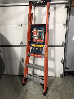 Werner 10 ft. Reach Fiberglass Podium Ladder with 300 lb. Load Capacity Type IA Duty Rating (Comparable to 6 ft. Stepladder) for Sale in Lemont, IL