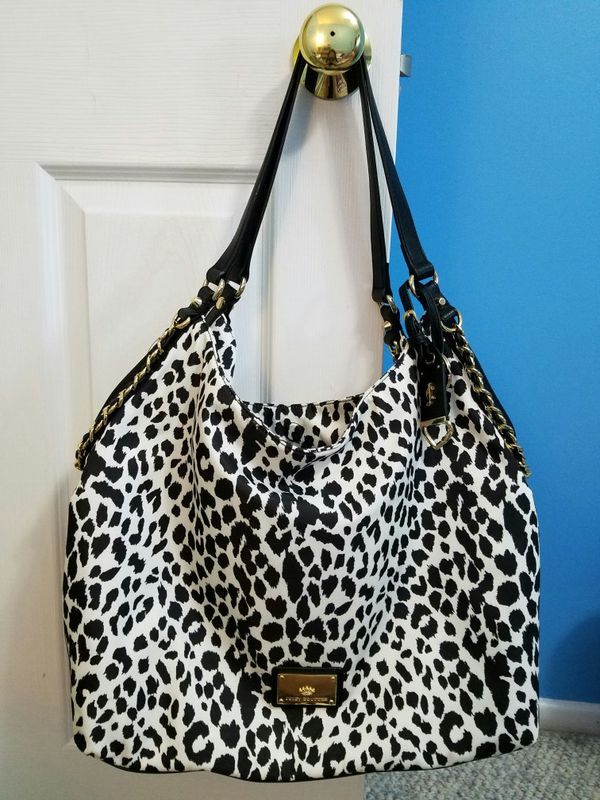 Very good deal! Brand new Juicy Couture bag Nylon Hobo