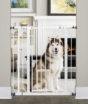 """Carlson extra tall walk through gate with small pet door 29""""-36.5""""wide 36""""high for Sale in Las Vegas, NV"""
