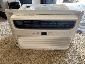 Frigidaire 8000 btu window AC unit for Sale in Beaverton, OR