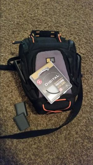 Camera case, lens, extra batteries for Sale in Salt Lake City, UT