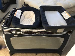Chicco Pack N Play with Bassinet and Changing Table for Sale in San Ramon, CA
