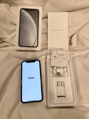 Brand New Apple iPhone XR 64 GB White AT&T for Sale in Los Angeles, CA