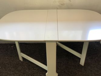 Quality, Simple, Foldable White Table for Sale in Seattle,  WA