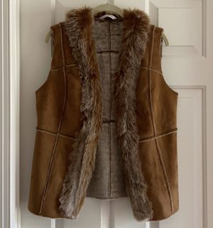 Orvis Faux Fur & Suede Vest for Sale in Suffolk, VA