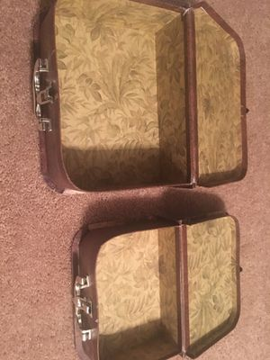 Little storage suitcases(pre-owned) for Sale in Westlake, OH