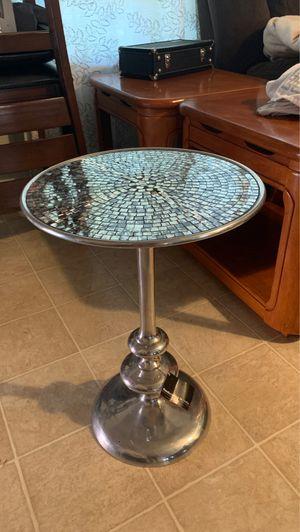 Small table for Sale in Stockton, CA