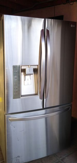 L.G 3 Door Stainless Steel Refrigerator for Sale in Bakersfield, CA