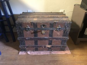 Old trunk for Sale in Palm Harbor, FL