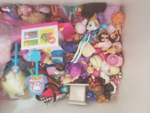 Box full of toys mostly girl lol dolls and such for Sale in Cape Coral, FL