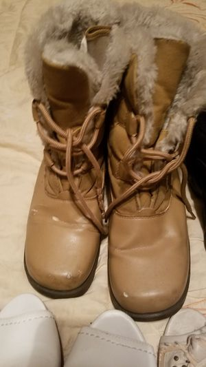 🤩Womens size 7 snow boots🤩 for Sale in Aurora, CO