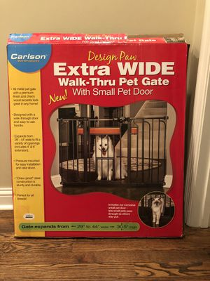 Carlson Extra Wide Walk Through Pet Gate for Sale in Elmwood, NE