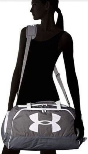 Excellent! Under Armour Storm Watch Me Duffle Bag Gray for Sale in Encinitas, CA