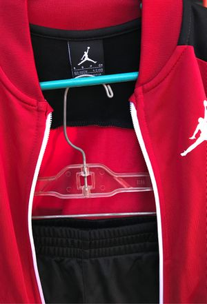 NEW Boys Jordan 2 piece set (black red white) 4/5 for Sale in Fort Worth, TX
