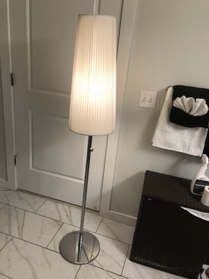 Floor Lamp w/ Dimming Knob (dim levels 0% - 100%) for Sale in Jersey City, NJ