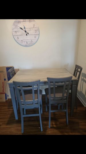 Kitchen Table+Chairs for Sale in Tega Cay, SC