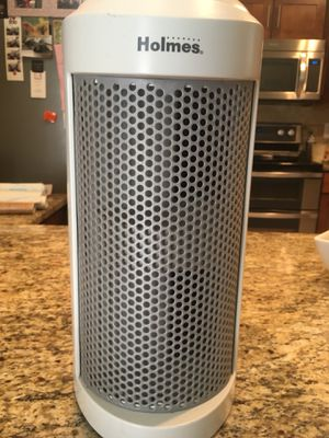 Holmes True HEPA Allergen Remover Mini Tower Air Purifier for Sale in Shawnee, KS