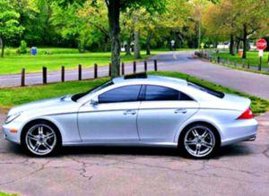 2OO6 Mercedes-Benz CLS 500 📲 for Sale in Norfolk, VA
