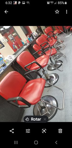 Barber chair for Sale in Hartford, CT