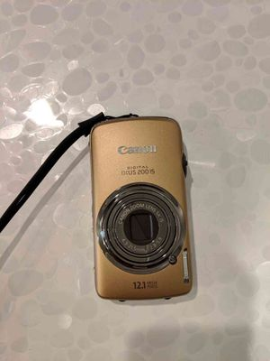 Canon IXUS 200 IS 12.1MP Digital Camera for Sale in Irvine, CA