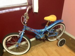 Children's blue bicycle with training wheels for Sale in Brooklyn, NY