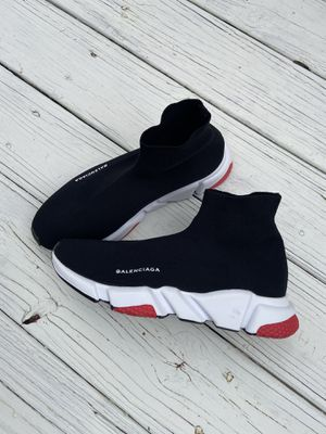 Balenciaga speed trainer Blk and Red size 9 like new for Sale in Tucker, GA
