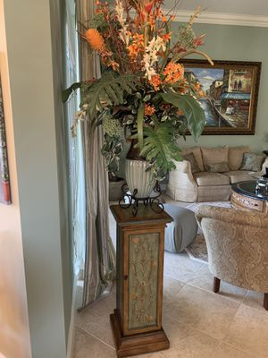 Flower and stand for Sale in Lake Worth, FL