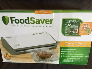 FoodSaver FM2110 Vacuum Sealing System (brand new in a box) for Sale in Framingham, MA