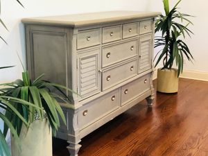 BEAUTIFUL Dresser, night stand & Tv stand for Sale in Norridge, IL