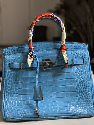Hermes gorgeous high quality bags with dust bag key and locks for Sale in Garland, TX
