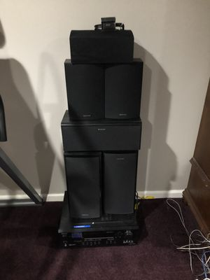 Onkyo Surround system : Speakers :Model 1x SKC-520C, 3x SKM-520S, 2x SKF-520F + AV receiver: Model HT-R520 No sound coming out, not sure what the is for Sale in Glen Mills, PA