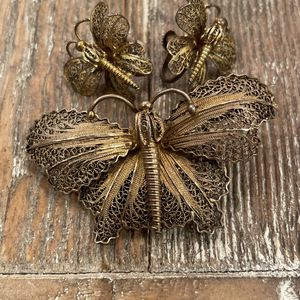 Filagee Antique Broach And Screw Back Earrings for Sale in Auburn, WA