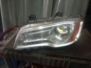 2012 chrysler 300 driver side headlight..halogen for Sale in West Hartford, CT