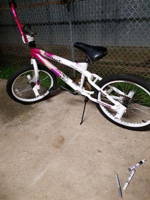20 inch girls bmx bike for Sale in Arnaudville, LA