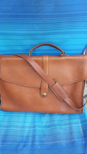 Coach messenger bag for Sale in Shady Hills, FL