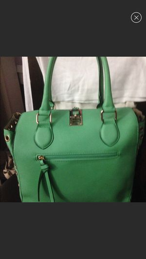 New beautiful handbag for Sale in Crownsville, MD